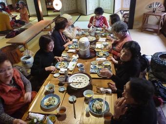 バスツアー・・・柿狩りと王隠堂でのお食事